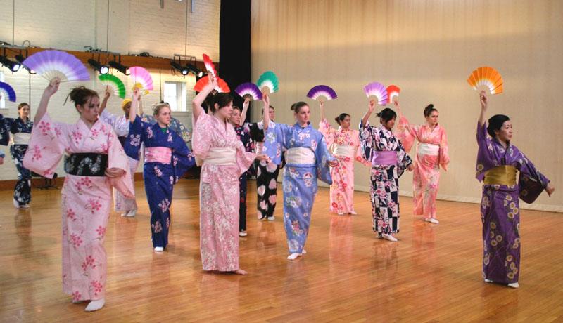cours de nihon buyo danse traditionnelle japonaise a. Black Bedroom Furniture Sets. Home Design Ideas